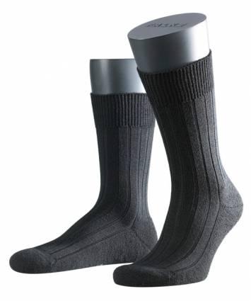Falke Teppich im Schuh sukka